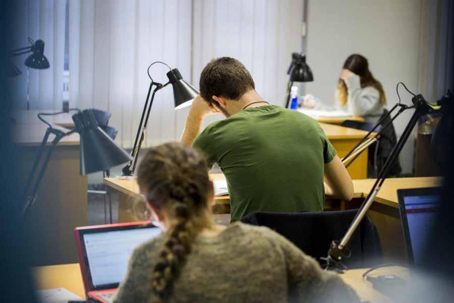 Bibliotecas tranquilas en Zaragoza para estudiar tus oposiciones 3